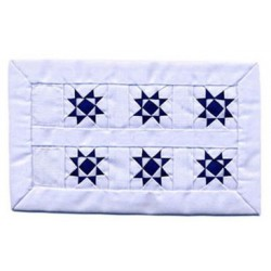 WH/BLUE 2 STAR SM QUILT