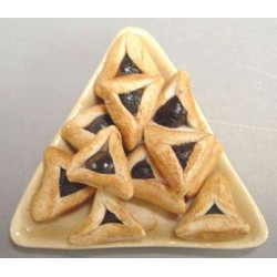 TRIANGLE PLATE OF HAMANTASHEN