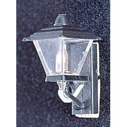 &MH628: BLACK COACH LAMP