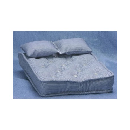 Double Mattress With Pillows