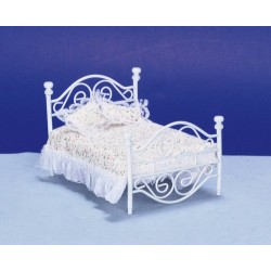 White Metal Bed/cb